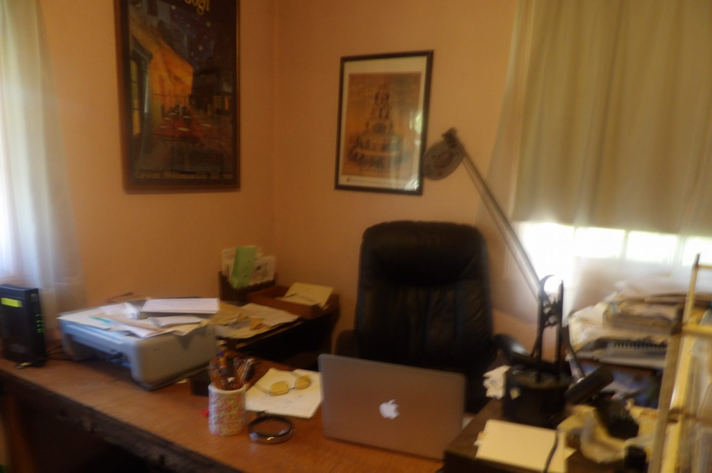 cropped-office-desk3.jpeg